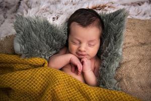 Newborn fotograaf fotoshoot Groningen